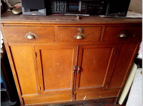 父母年代的古典大衣柜转让!