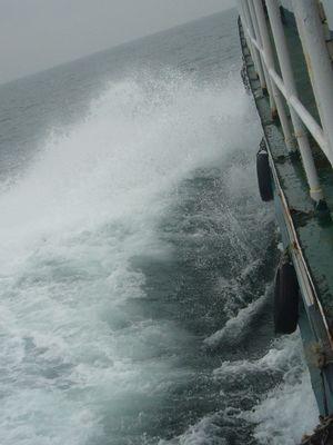 回程的海面,波涛汹涌